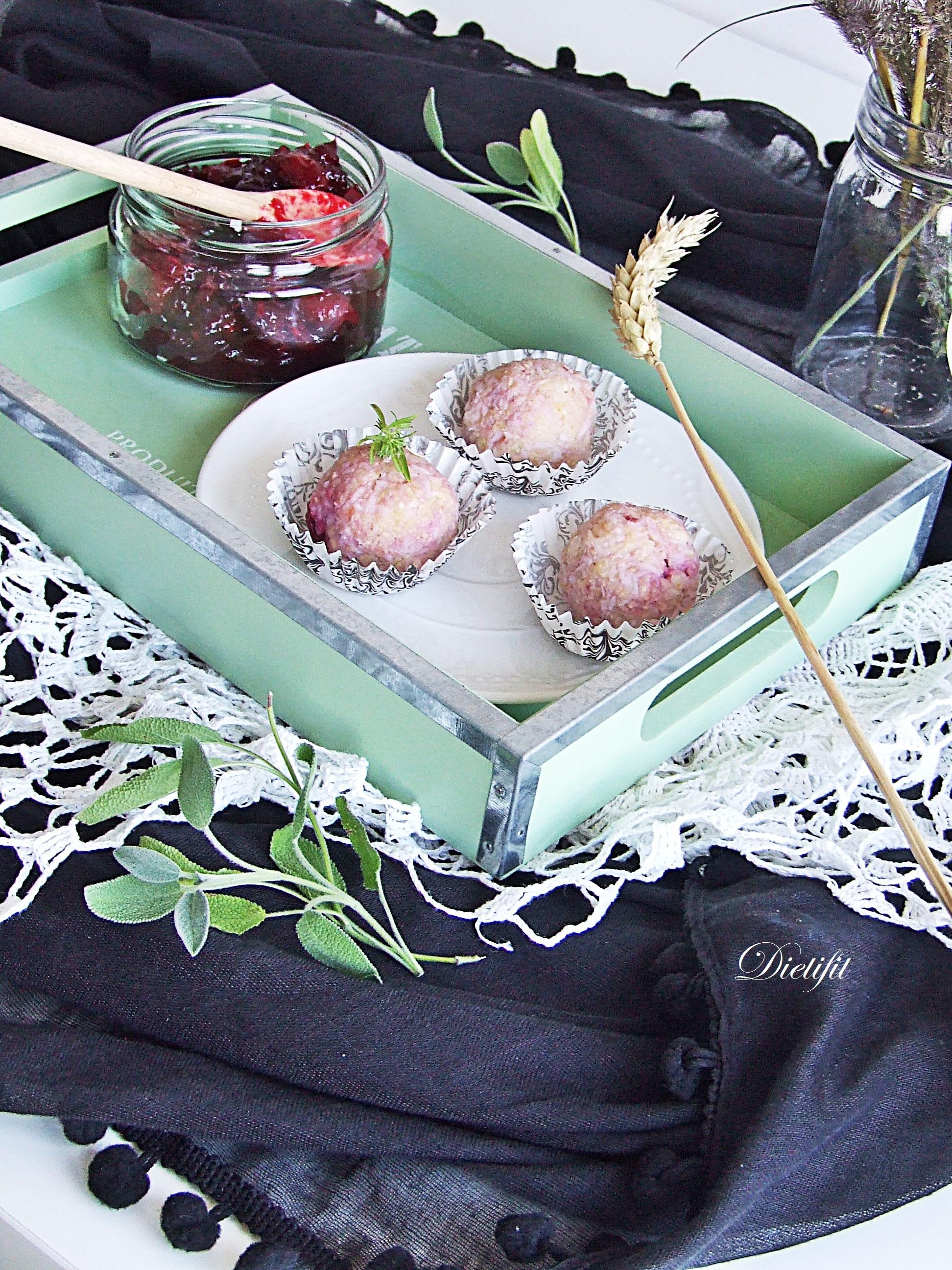 Trufle jaglane z domowym dżemem wiśniowym 3