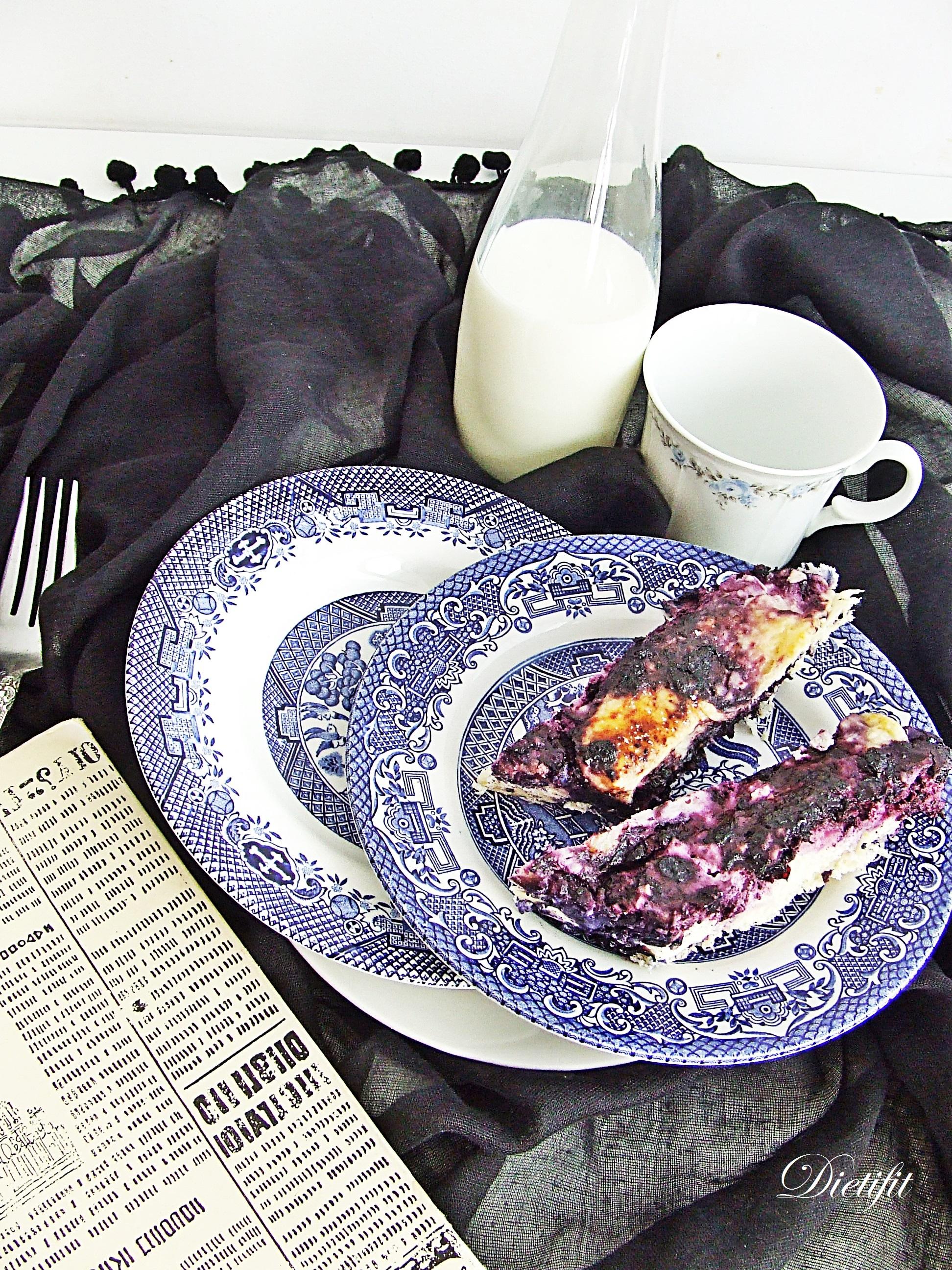 Drożdżówka z serem i jagodami 1
