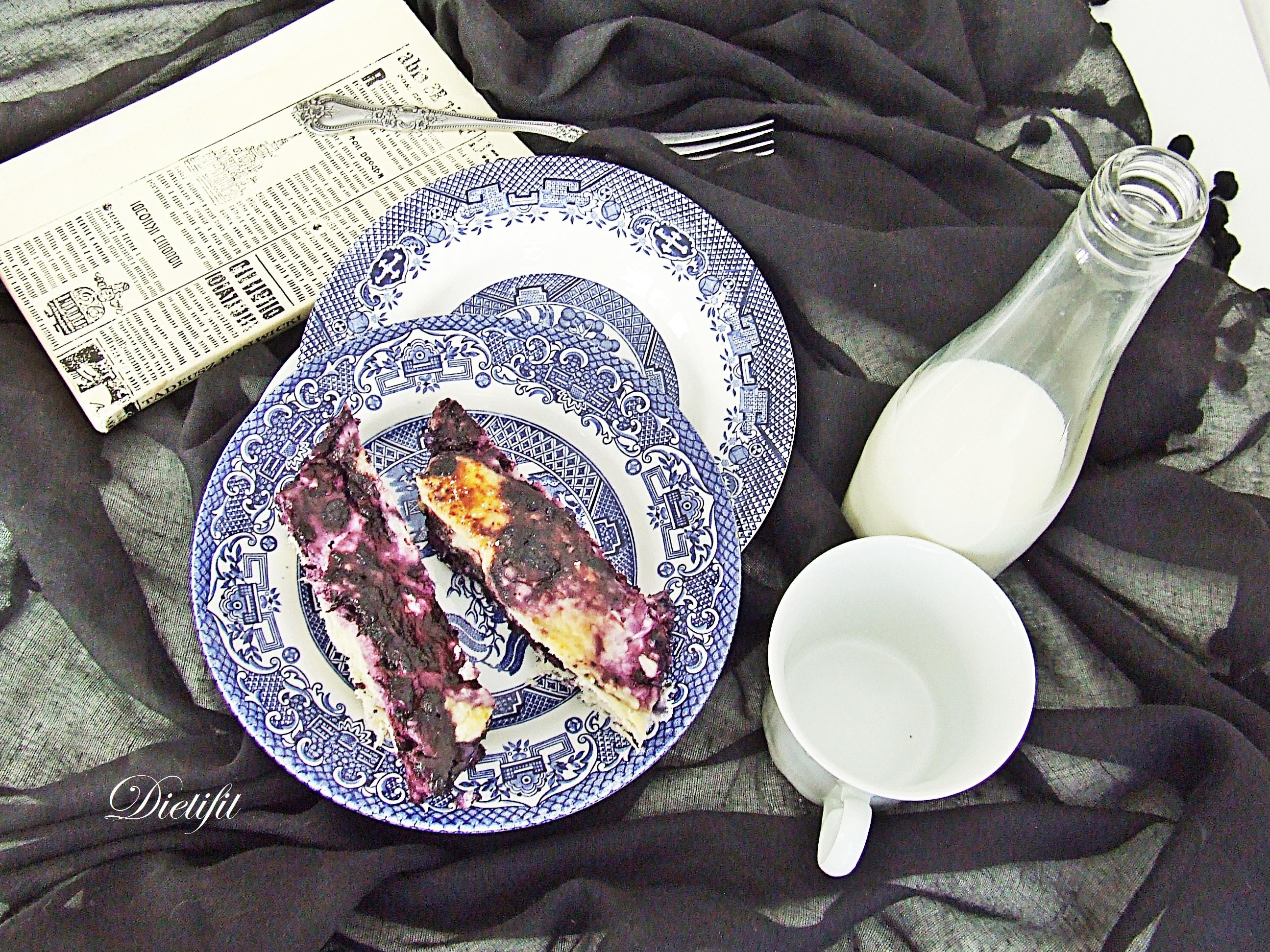 Drożdżówka z serem i jagodami 3