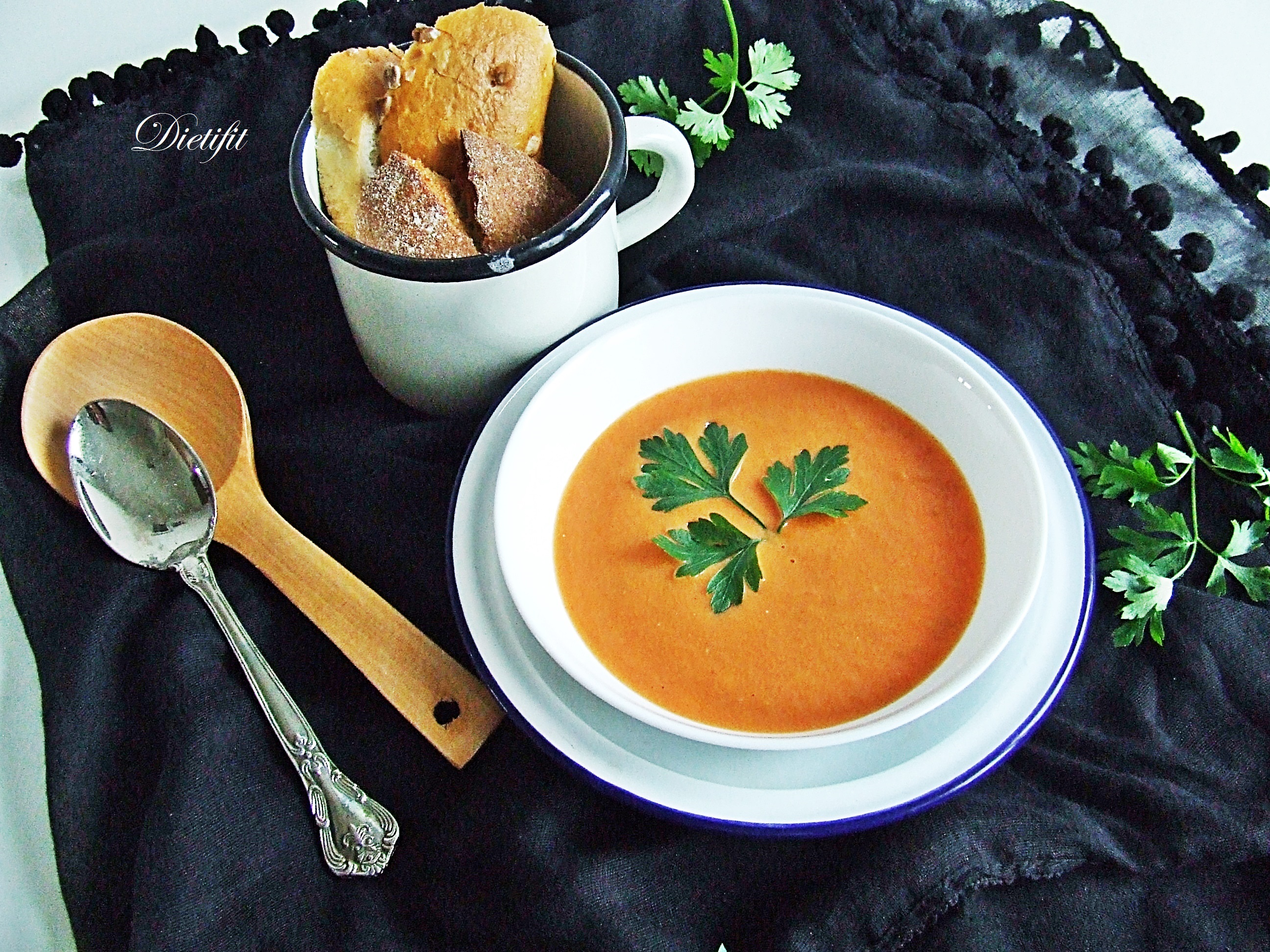 krem-z-pomidorow-z-jogurtem-greckim-1