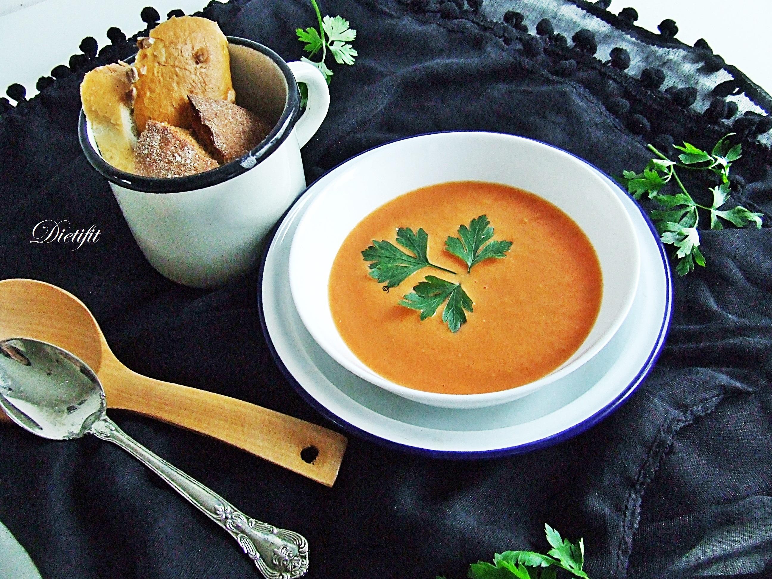 krem-z-pomidorow-z-jogurtem-greckim-3